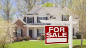 For-sale-sign-with-house-shutterstock_136157789-620x350